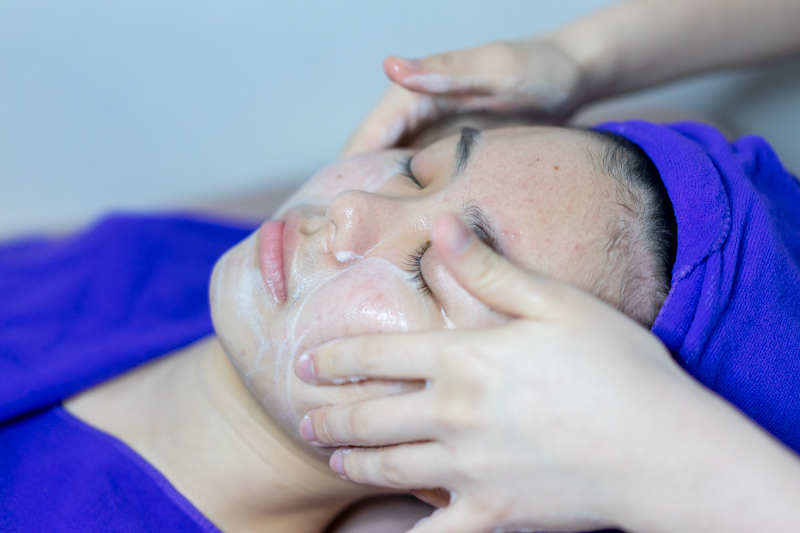 Facial Cleansing at Apple Queen Beauty