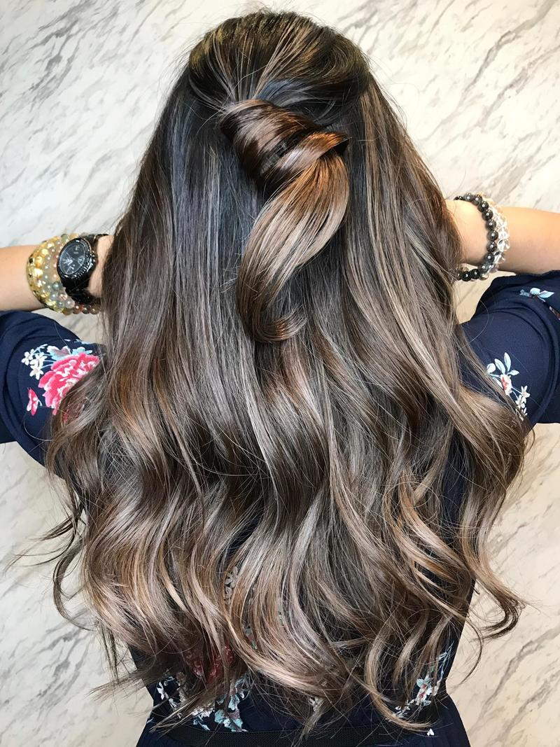 Brown Balayage by Kelvin from The Urban Aesthetics