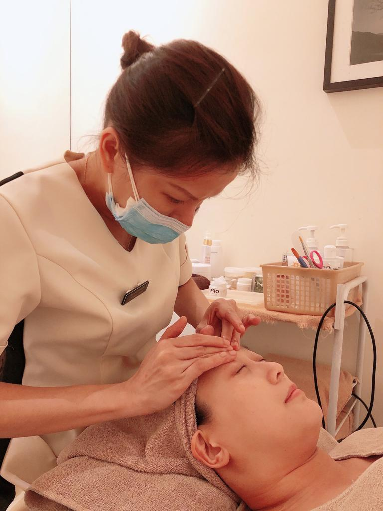 Wear Mask During Facial Treatment After COVID-19