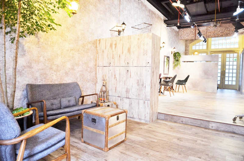 Rustic Decor with Great Ambience at Rubik Salon
