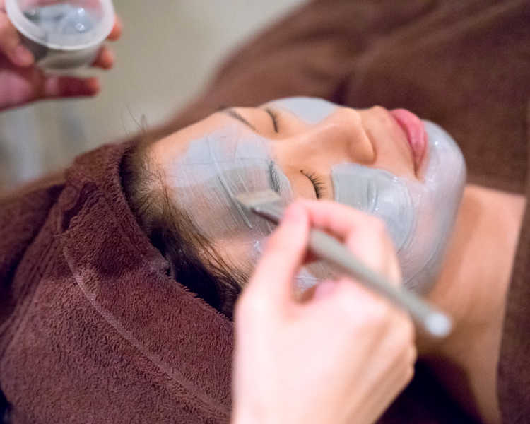 White Clay Mask For Uneven Skin Tone at Face Plus by Yamano