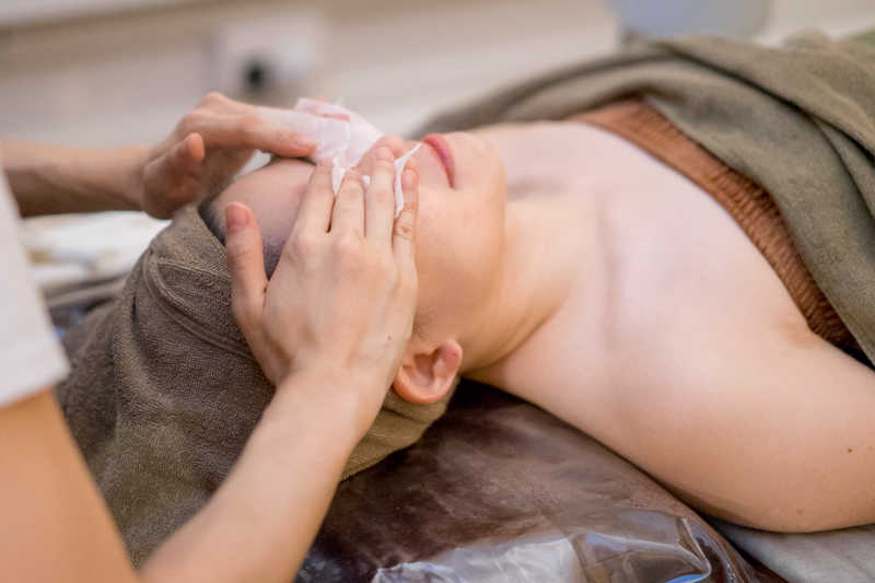 Facial Cleansing at Allumer Japanese