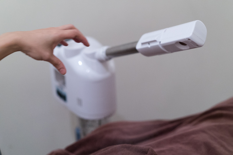 Steaming Machine at Face Plus by Yamano
