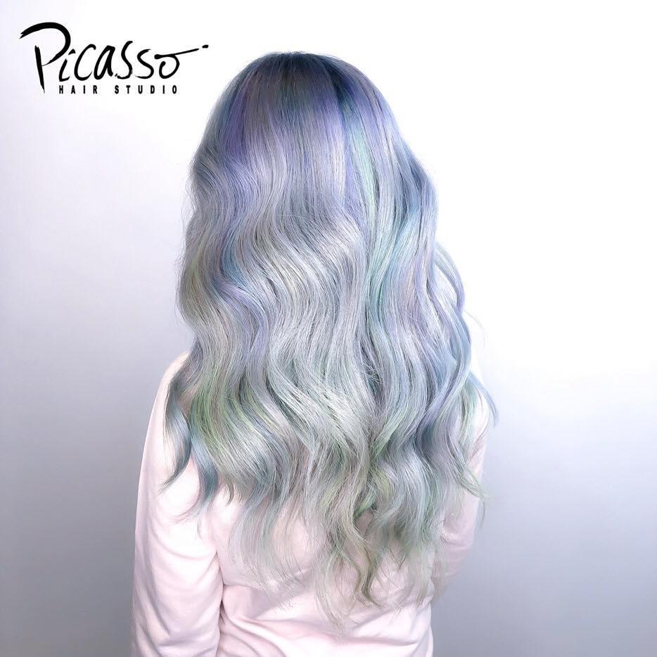 Grey Blue Highlights at Picasso