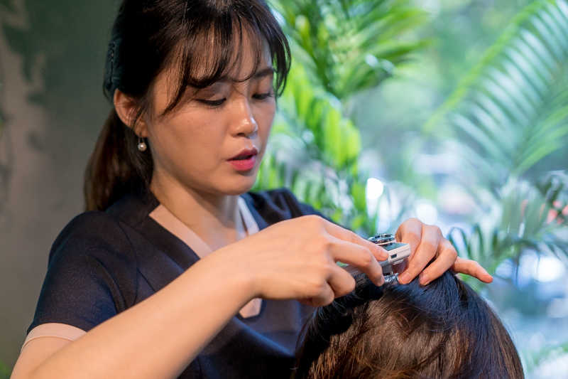 Getting Luxurious and Relaxing Head Spa at Leekaja