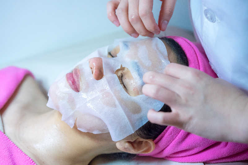Application of EGF Mask at Apple Queen Beauty