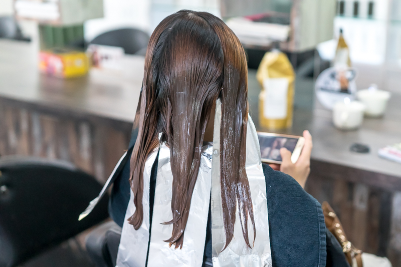 Application of Perm Lotion