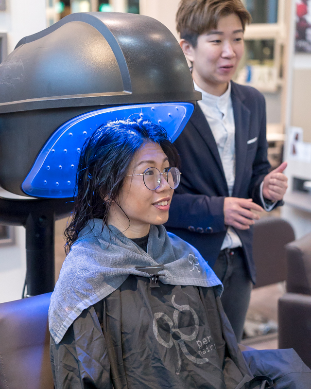 Application of Nioxin Leave in Scalp Treatment at 99 Percent Hair Studio
