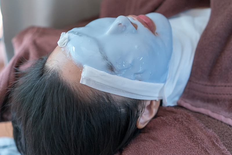 Thermal Peel Off Mask to Calm Skin at The Bund Beauty