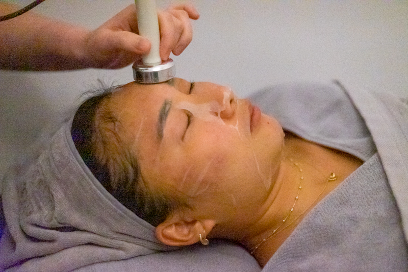 Machine To Enhance Absorption at Apple Queen Beauty