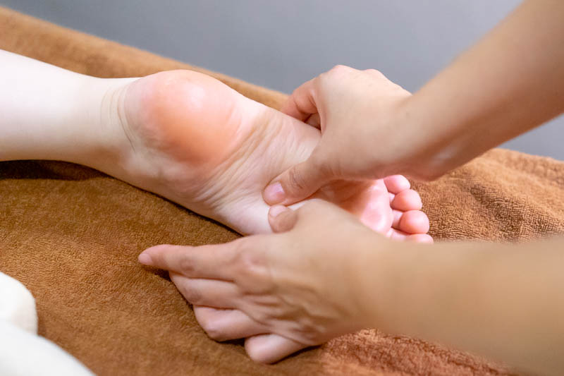 Relaxing Face, Body and Foot Massage at Organics Beauty