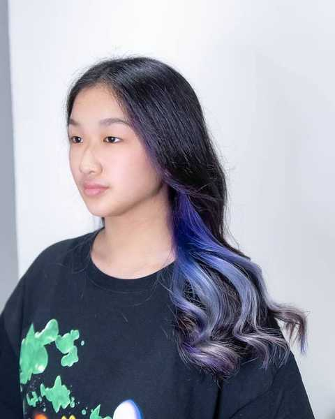 Getting Hidden Violet Hair Colour by French Stylist